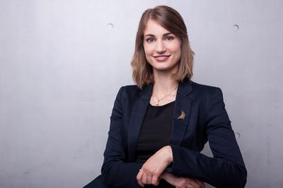 businessportraits-profilbilder-xing-linkedin-cv-lebenslauf-bewerbungsfotos-porträts-unternehmen-startup-business-bewerbungsfotos-professionell-berlin-02.jpg