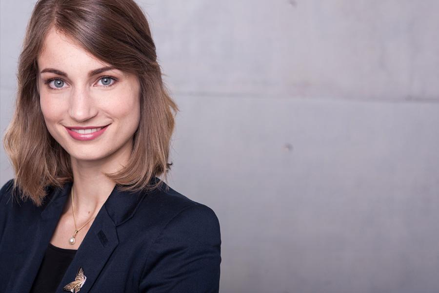 businessportraits-profilbilder-xing-linkedin-cv-lebenslauf-bewerbungsfotos-porträts-unternehmen-startup-business-bewerbungsfotos-professionell-berlin-03.jpg
