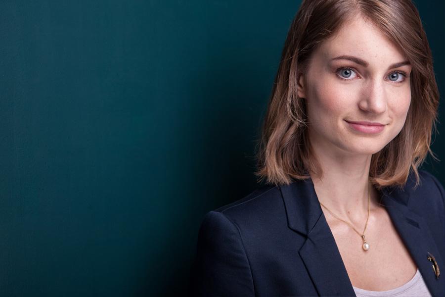 businessportraits-profilbilder-xing-linkedin-cv-lebenslauf-bewerbungsfotos-porträts-unternehmen-startup-business-bewerbungsfotos-professionell-berlin-04.jpg