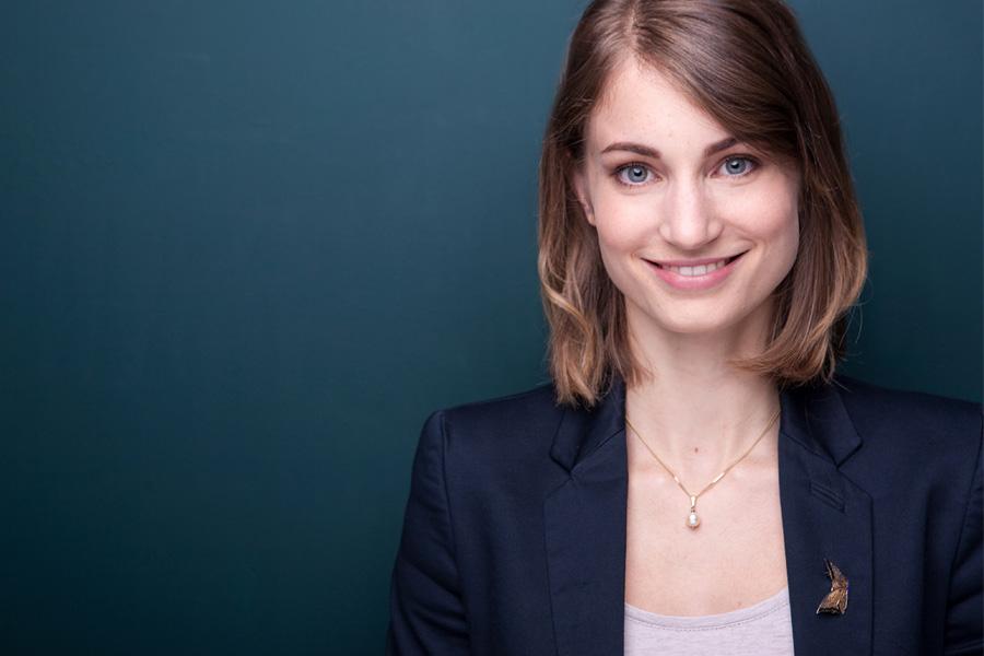 businessportraits-profilbilder-xing-linkedin-cv-lebenslauf-bewerbungsfotos-porträts-unternehmen-startup-business-bewerbungsfotos-professionell-berlin-06.jpg