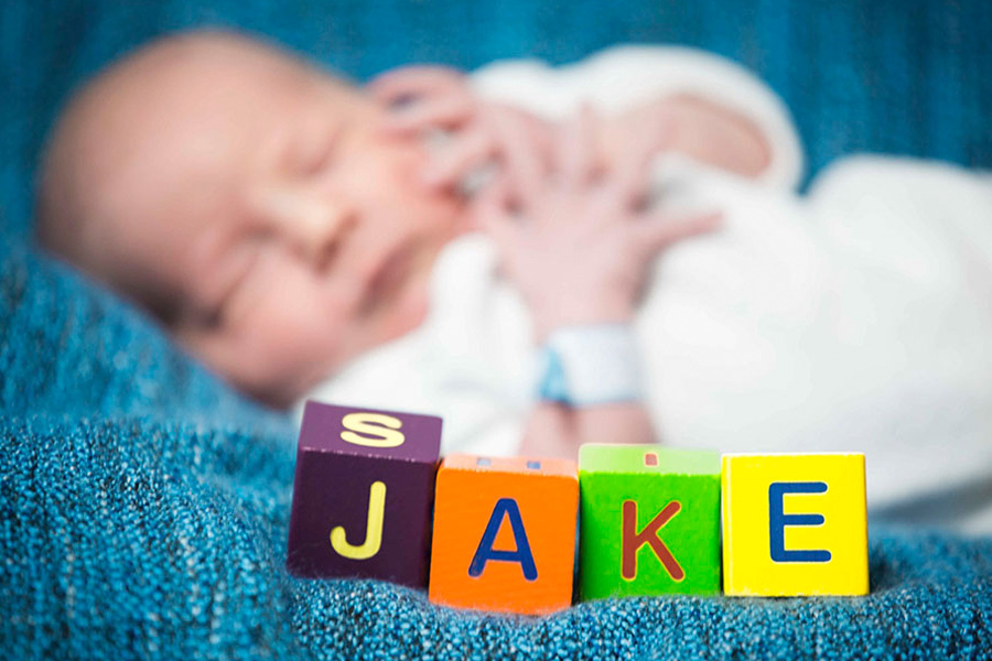 newborn-fotoshooting-krankenhaus-berlin-babyfotografie-kinder-fotoshooting-fotostudio-wohnung-zuhause-familie-mama-babyshooting-klinik-hospital-charite-geburt-07.jpg