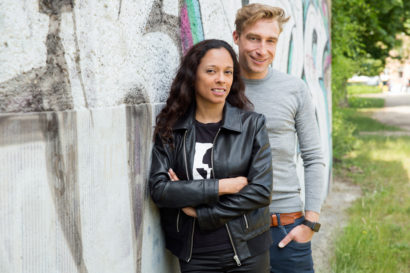 couple-photoshooting-berlin-service-hidden-places-mustsee-musthave-berlintodo-highlight-love-photographer-06.jpg