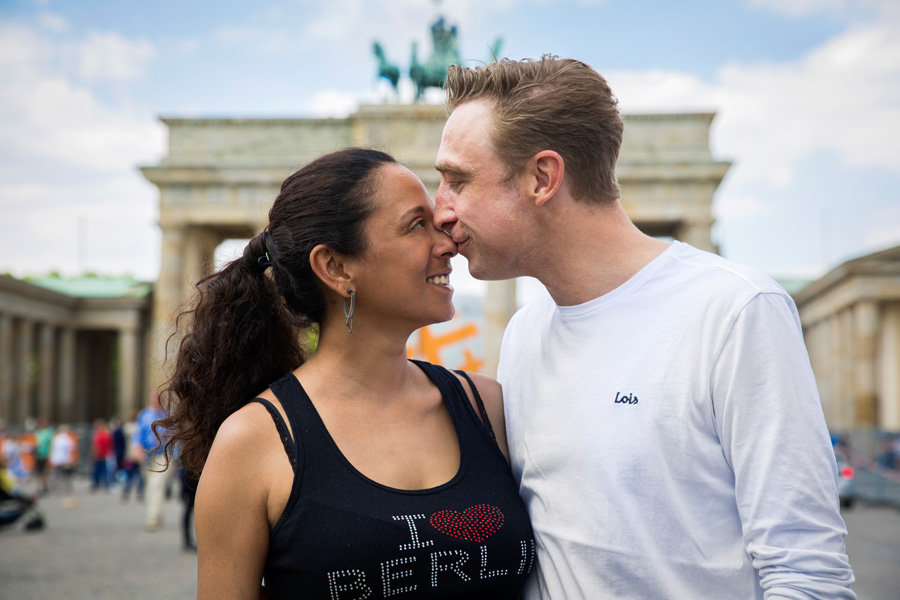 couple-photoshooting-berlin-service-hidden-places-mustsee-musthave-berlintodo-highlight-love-photographer-09-1.jpg