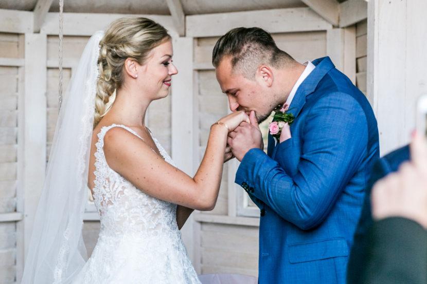 hochzeitfotoshooting-reportage-weddingphotography-berlin-fotografstandesamt-location-hochzeitsfeier-05.jpg